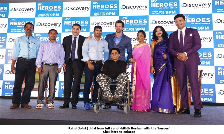 Rahul Johri (third from left) and Hrithik Roshan with the 'heroes'