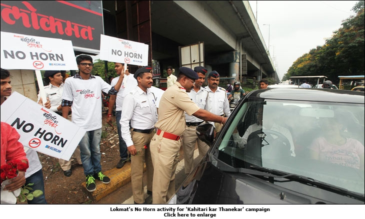 Lokmat's No Horn activity for 'Kahitari kar Thanekar' campaign