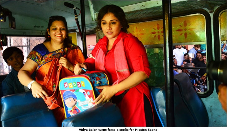 [Image: Vidya-Balan-turns-female-coolie-for-Mission-Sapne.jpg]