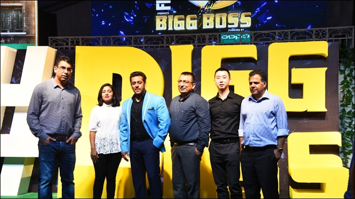 (L-R) Deepak Dhar, Nadia Chauhan, Salman Khan, Yogesh B Dutta, Will Yang and Raj Nayak at the launch of Bigg Boss 11