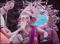 Hands that rise for namaz also make Ganpati idols