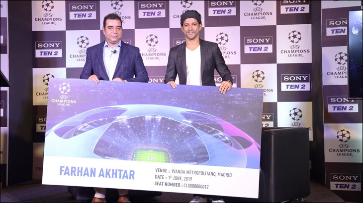 Rajesh Kaul and Farhan Akhtar, UEFA's official guest from India with the UEFA Champions League finals ticket