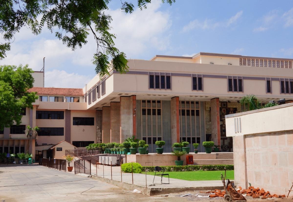 """A Division Bench of the Delhi HC just termed a single-judge decision a """"futile 'academic' exercise"""""""