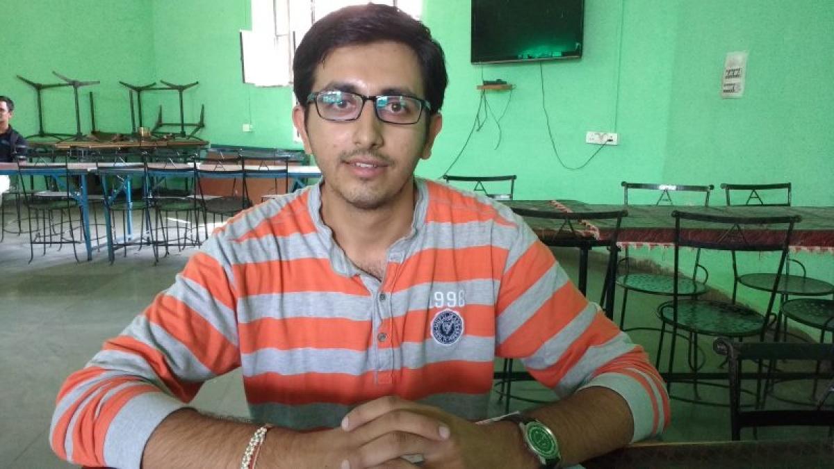 Mukul Vyas, Student of the Year