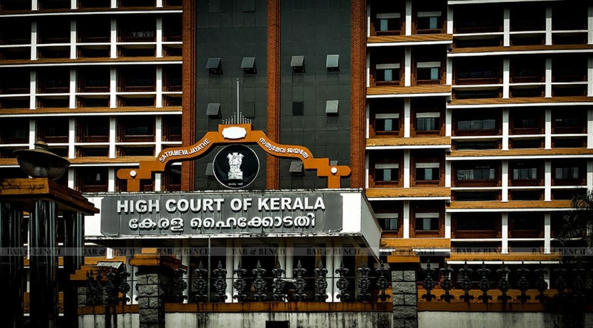 Kerala High Court initiates suo motu contempt against UDF leaders for Flash Hartal [Read Order]