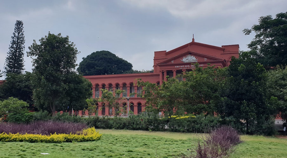 Karnataka HC dismisses pleas by former BCI Vice-Chairman, Law College Principal in corruption case