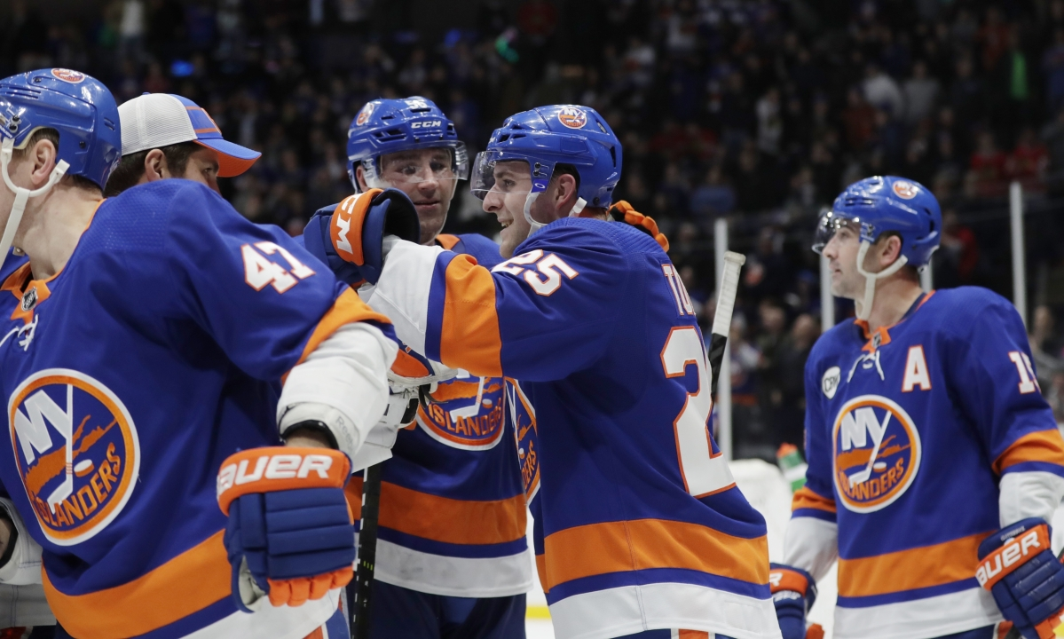 NHL: Tuesday picks for the Flyers, Islanders, Devils and Penguins