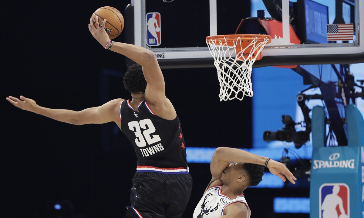 NBA: 2-0 yesterday, Greg Frank tries a Knicks game again. He's due