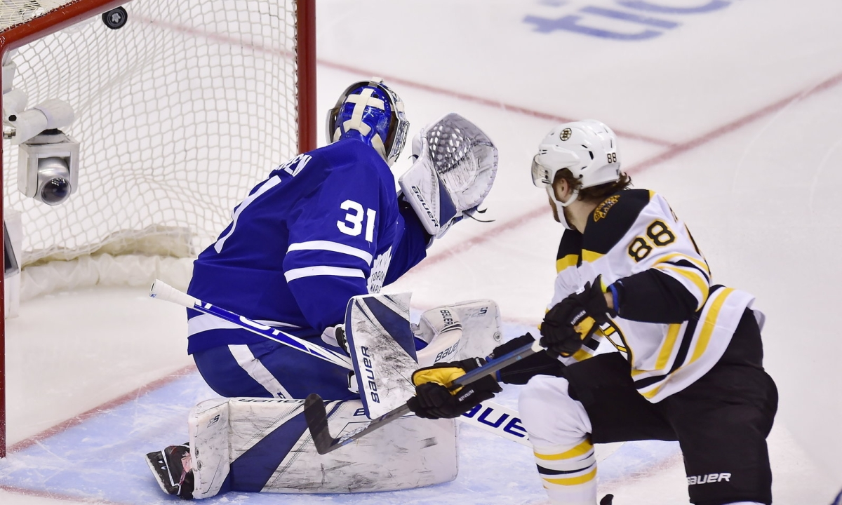 NHL Friday: Dietel on Bruins v Maple Leafs, Flames v Avalanche