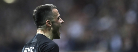Frankfurt's Filip Kostic celebrates a goal in the Europa League quartes, April 18, 2019. Today he's in Bundesliga action. (AP Photo/Michael Probst)