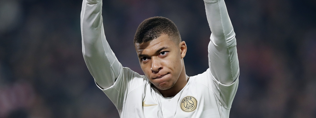 PSG's Kylian Mbappe waves to supporters after his team lost the French League One soccer match between OSC Lille and Paris Saint-Germain at Stade Pierre Mauroy in Lille, France, Sunday, April 14, 2019.(AP Photo/Christophe Ena)