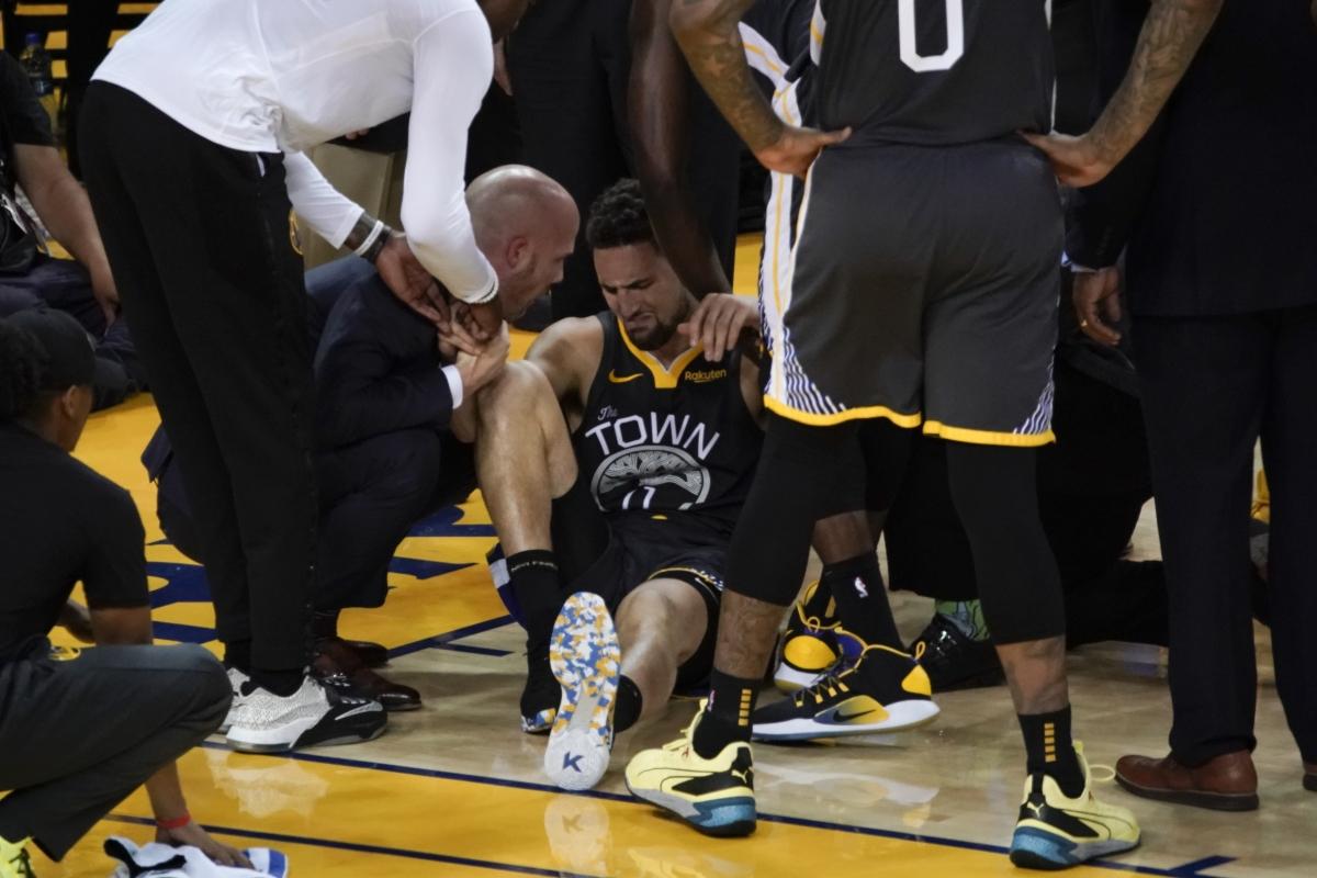 NBA Finals: Warriors' Klay Thompson injures knee in 3rd quarter, will not return