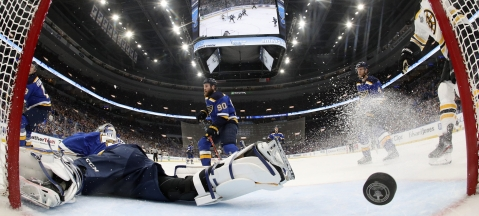 NHL Monday: Dietel on Game 4 of Bruins v Blues, Jordan Binnington