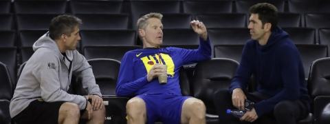 Warriors head coach Steve Kerr is flanked by director of sports medicine Dr. Rick Celebrini (left) and general manager Bob Myers during Practice on June 6 (Ben Margot)