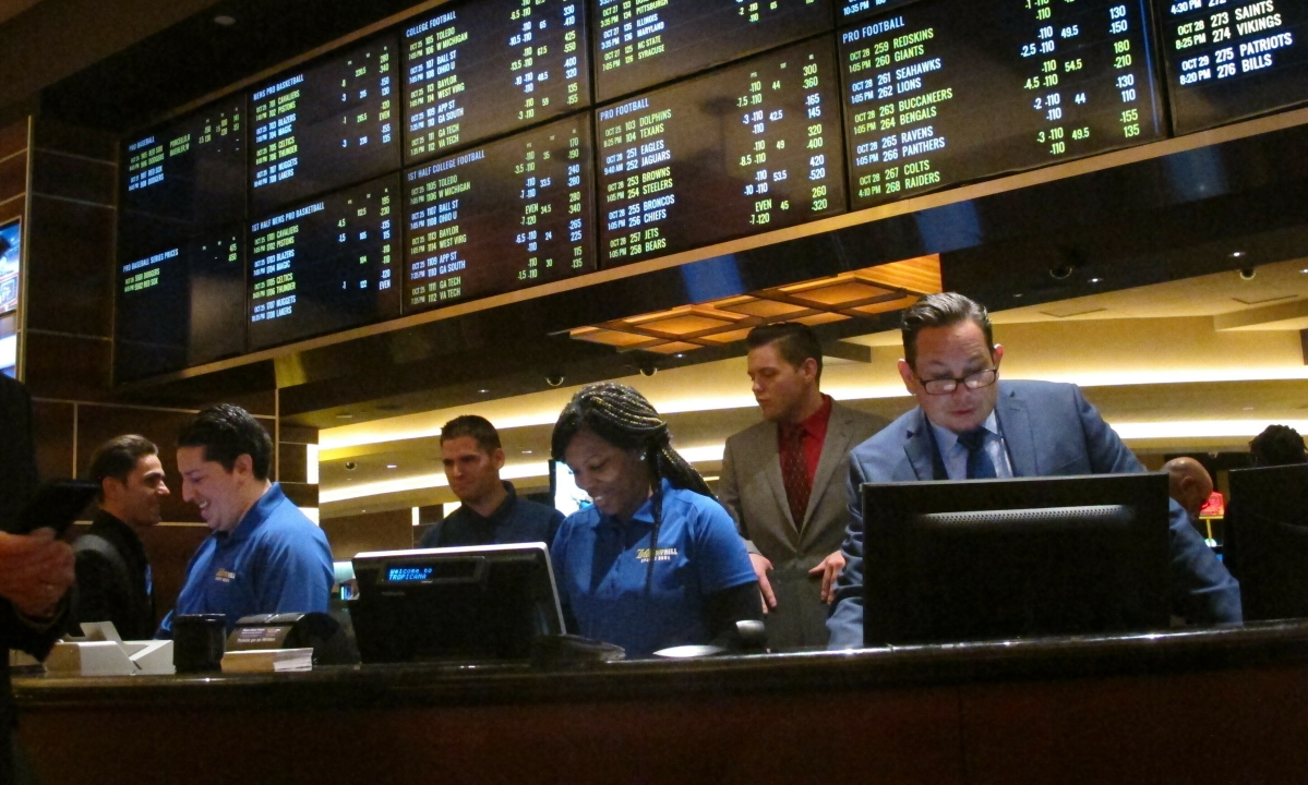 Newsletter: A potential giant looks at sports betting - Bettors Insider Newsletter Vol. 1, No. 96, 6/28/19