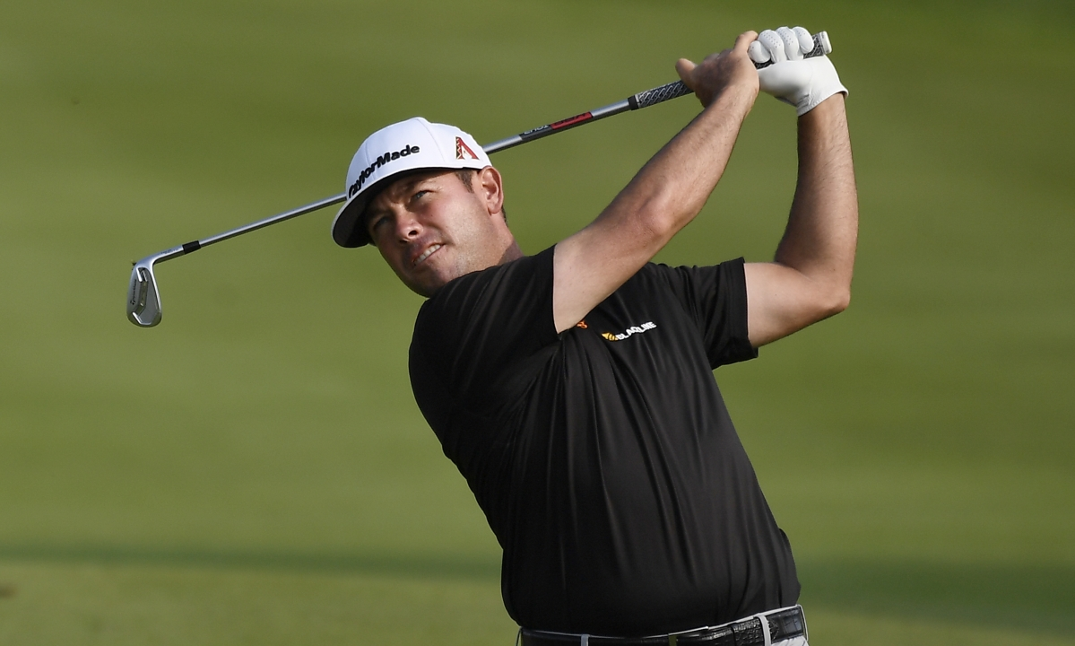 Chez Reavie shoots 63, takes a 6-stroke lead at Travelers Championship