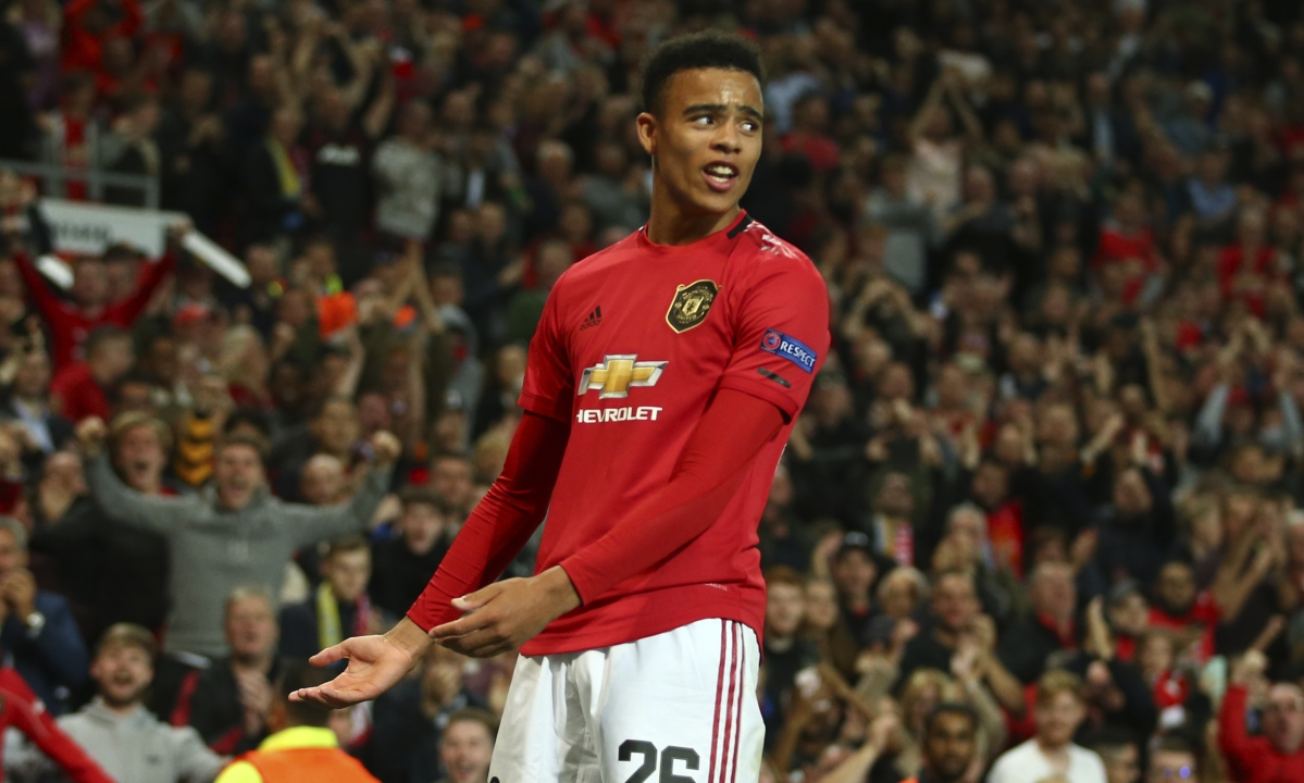 Soccer Monday: Miller picks Manchester United vs Arsenal in the Premier League and Desportivo Aves vs Sporting in Portugal Primeira Liga