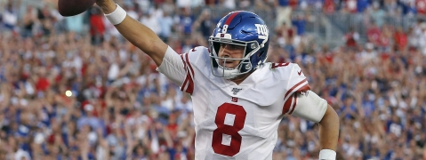 New York Giants quarterback Daniel Jones (8) runs 7-yards for a touchdown during the second half of an NFL football game against the Tampa Bay Buccaneers Sunday, Sept. 22, 2019, in Tampa, Fla.