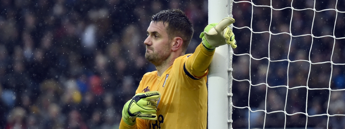 Aston Villa's goalkeeper Tom Heaton gives instructions to his players during the English Premier League soccer match between Aston Villa and Leicester City at Villa Park in Birmingham, England, Sunday, Dec. 8, 2019.