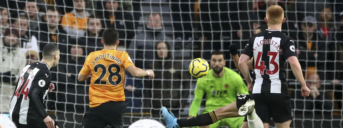 Newcastle United's Miguel Almiron scores during the English Premier League soccer match between Wolverhampton Wanderers and Newcastle United at Molineux, Wolverhampton, England, Saturday Jan. 11, 2020. (Nick Potts/PA via AP)