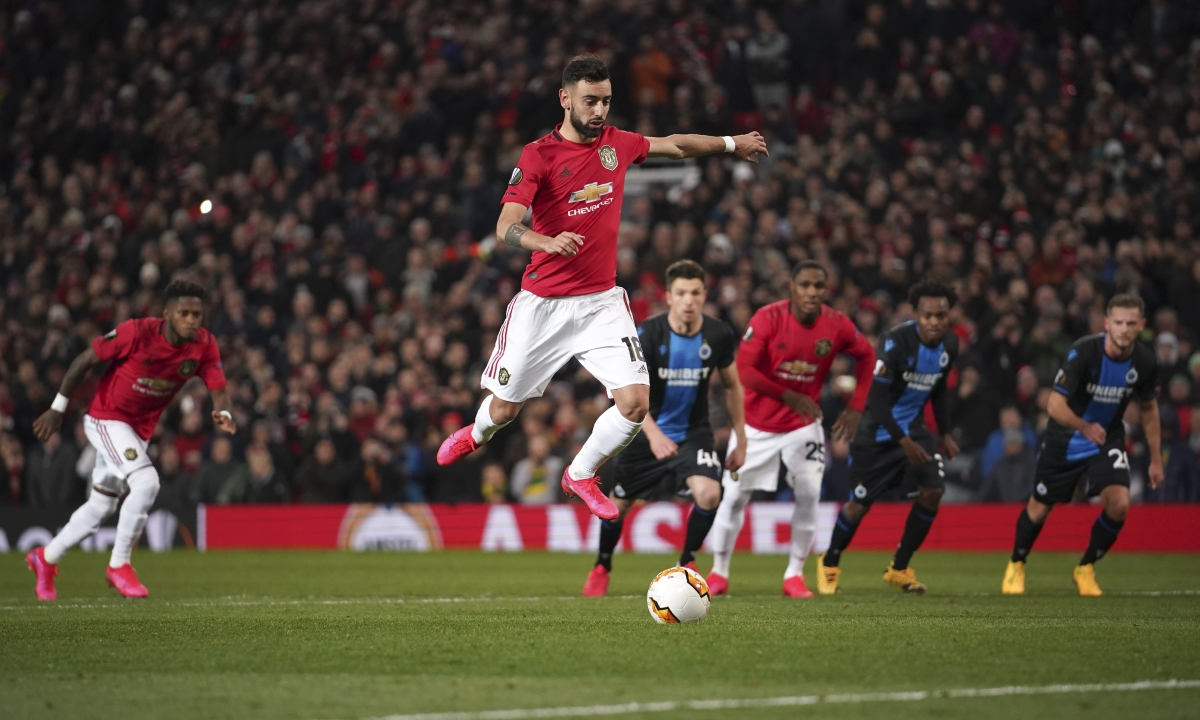Wayne Rooney gets a shot at The Red Devils in F.A. Cup action: Miller picks Derby County vs Manchester United