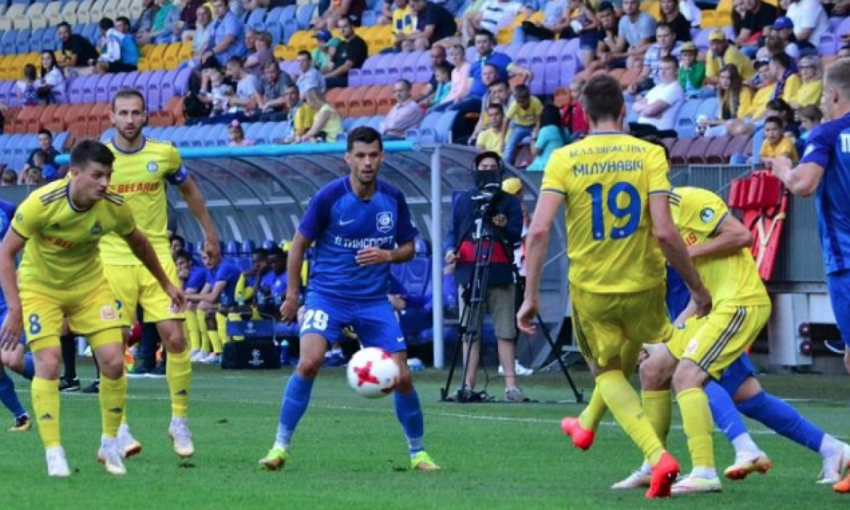 We think this is Smolevichy vs FC Isloch Minsky Rayon.