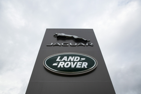 Jaguar Land Rover's Vehicle Manufacturing Plant in the U.K. (Photographer: Simon Dawson/Bloomberg)