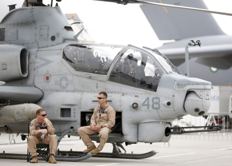 A Bell AH-1Z helicopter on show during the Dubai International Airshow (Photographer: Jason Alden/Bloomberg)