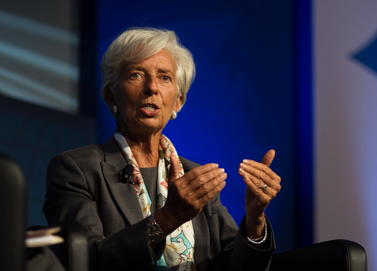 Lagarde Takes Up Draghi's Plea for Fiscal Support in Europe