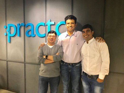 Vamsi Chandra Kasivajjala, Co-Founder & CEO, Enlightiks (left) Shashank ND, Founder of Practo (middle). (Source: Practo)
