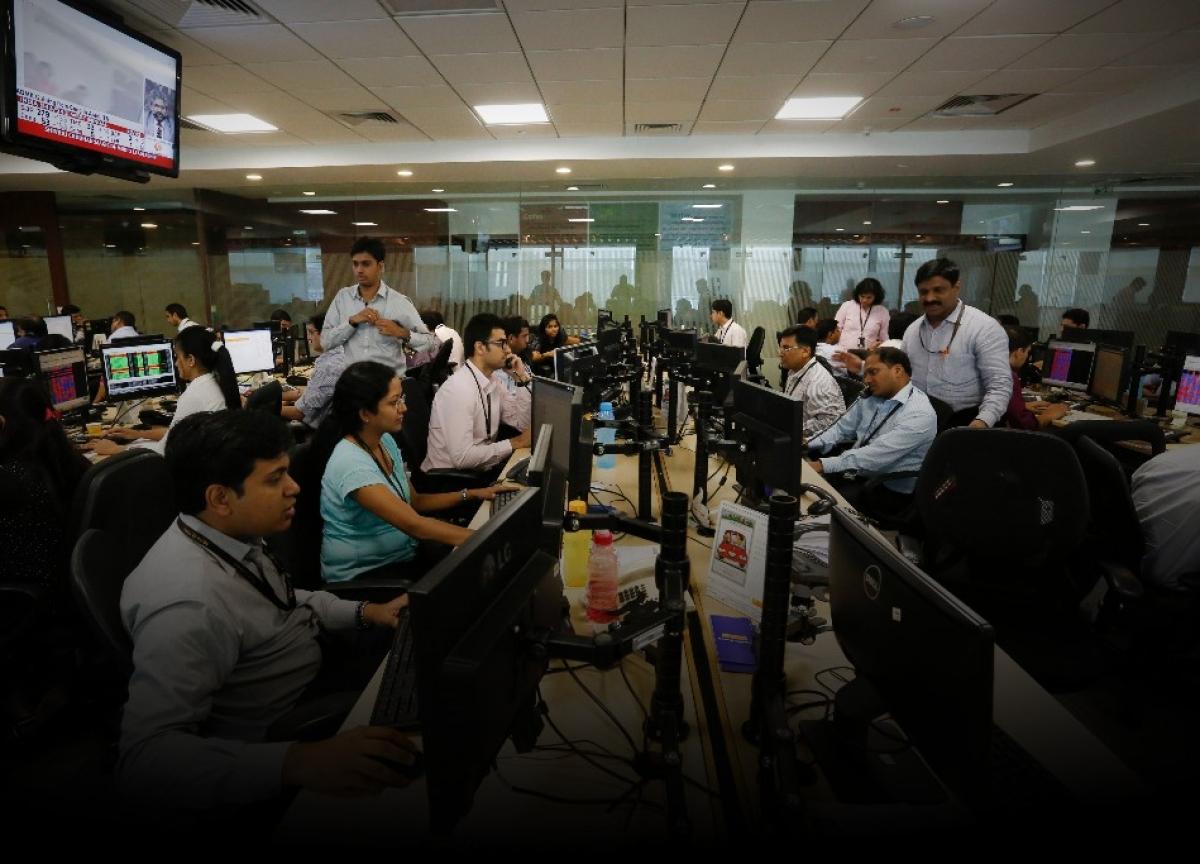 India's Nifty Futures Drop as Economic Growth Slowdown Deepens