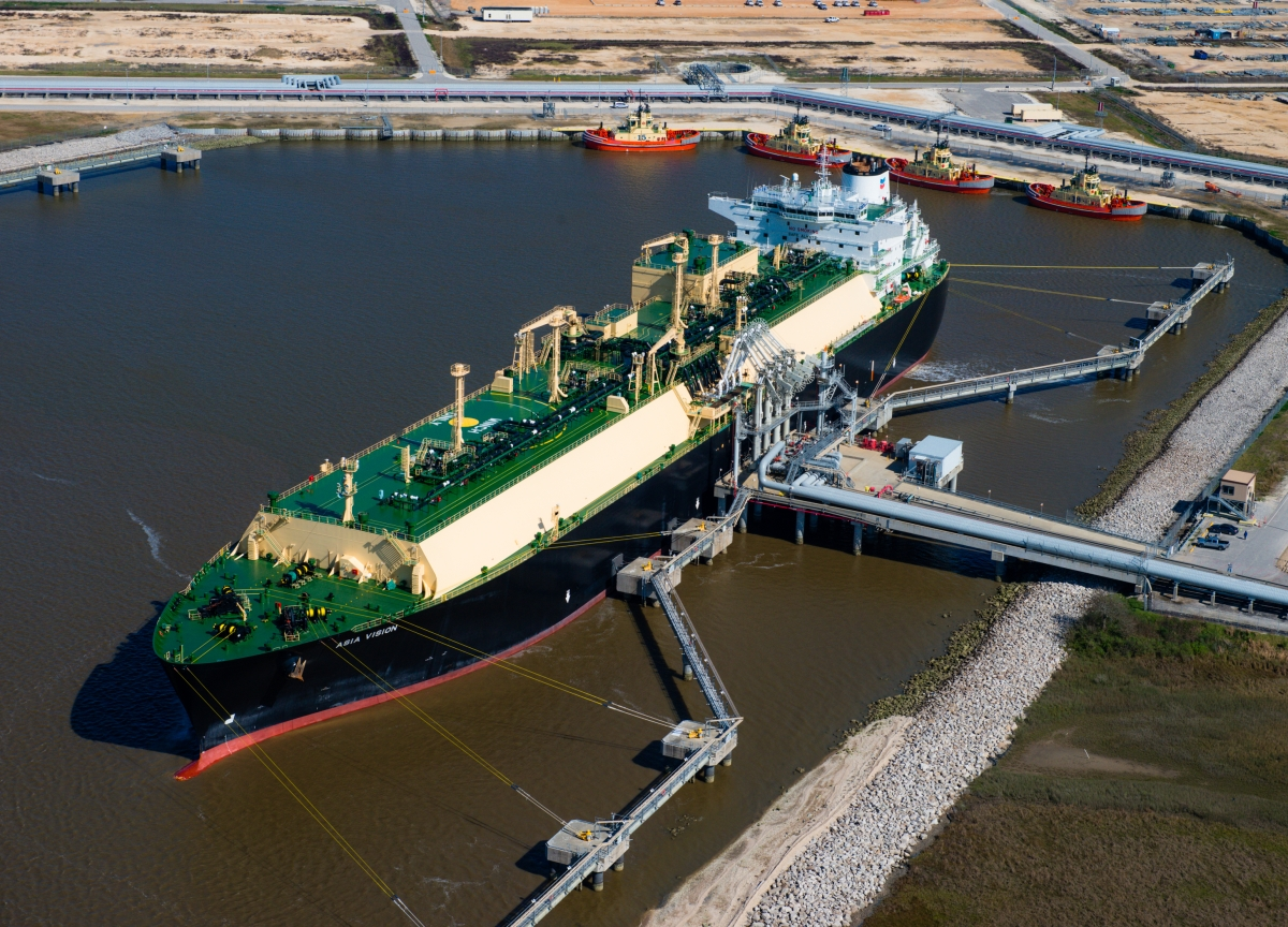 Tellurian Signs $7.5 Billion LNG Pact With India's Petronet
