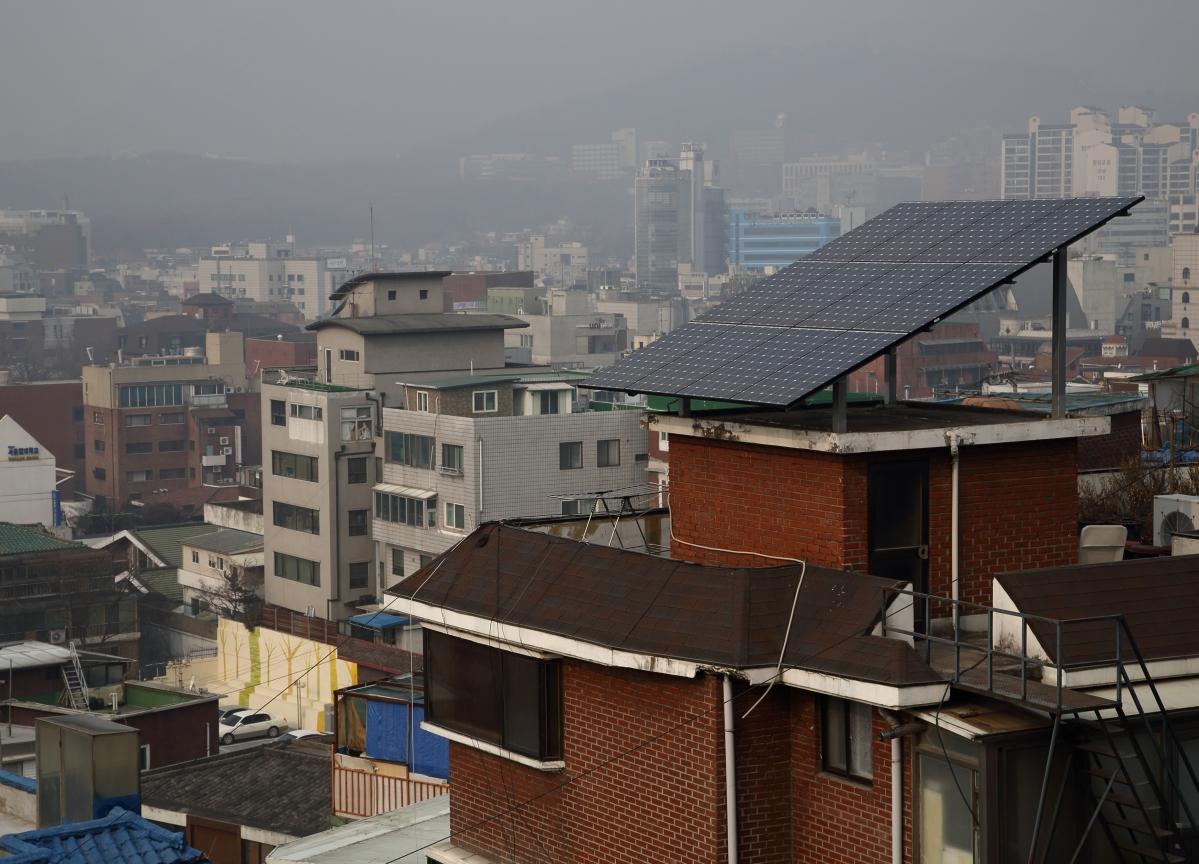 Installed Rooftop Solar Capacity In India At 1,922 Mega Watt, Renewables Minister