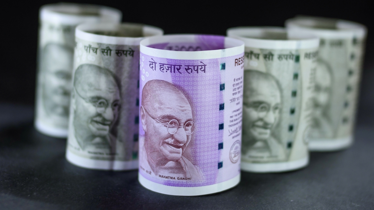 Inflows Into Equity Mutual Funds Defy Turmoil