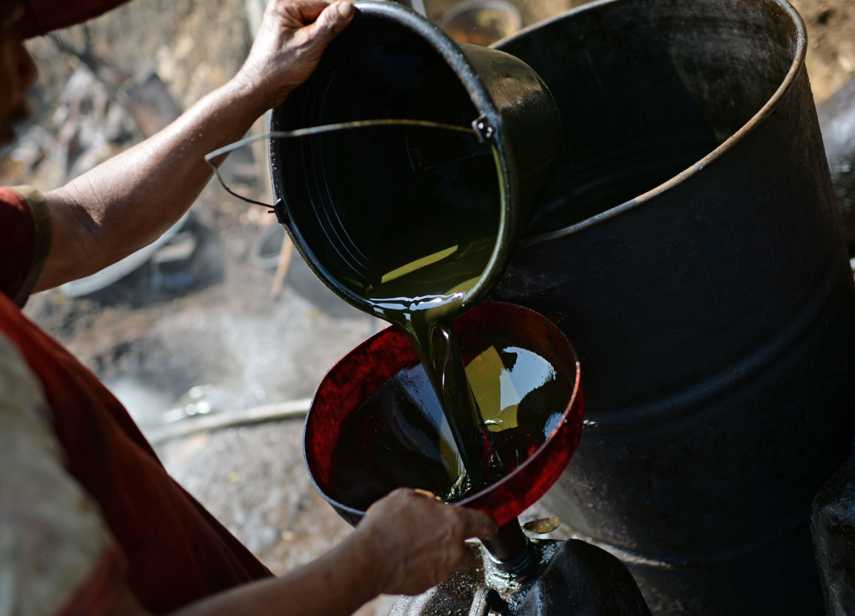 Oil Slides Amid Saudi-Russia Discord on OPEC+ Production Cuts