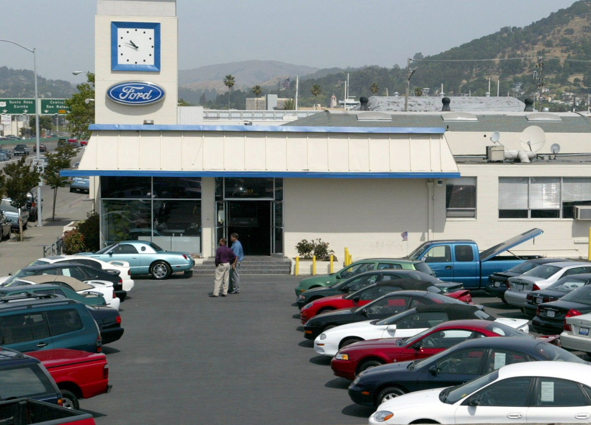 Bonds Backed by Auto Loans Look Toxic