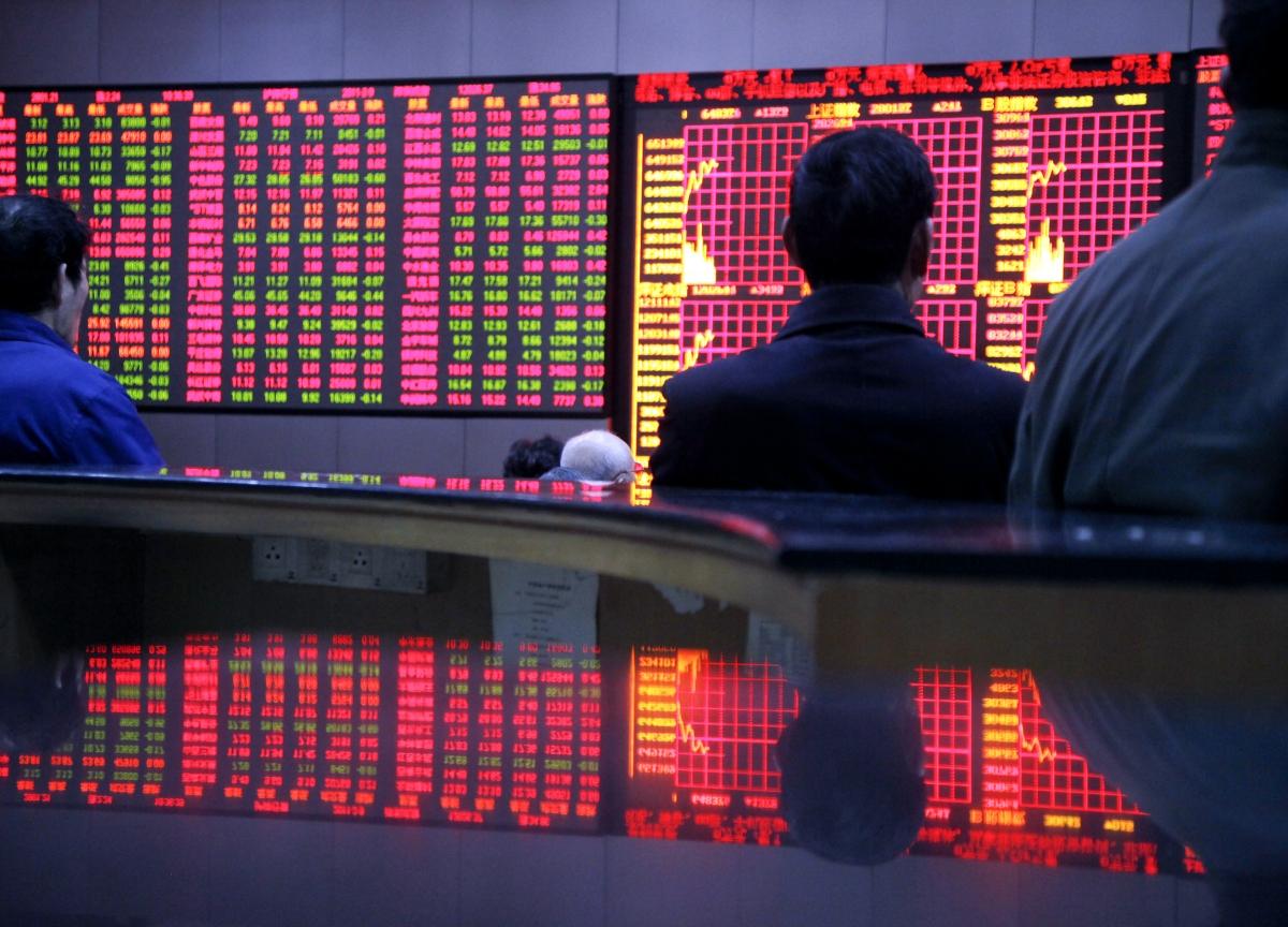 Chinese Stocks Enter Bear Market as Trade, Growth Risks Increase