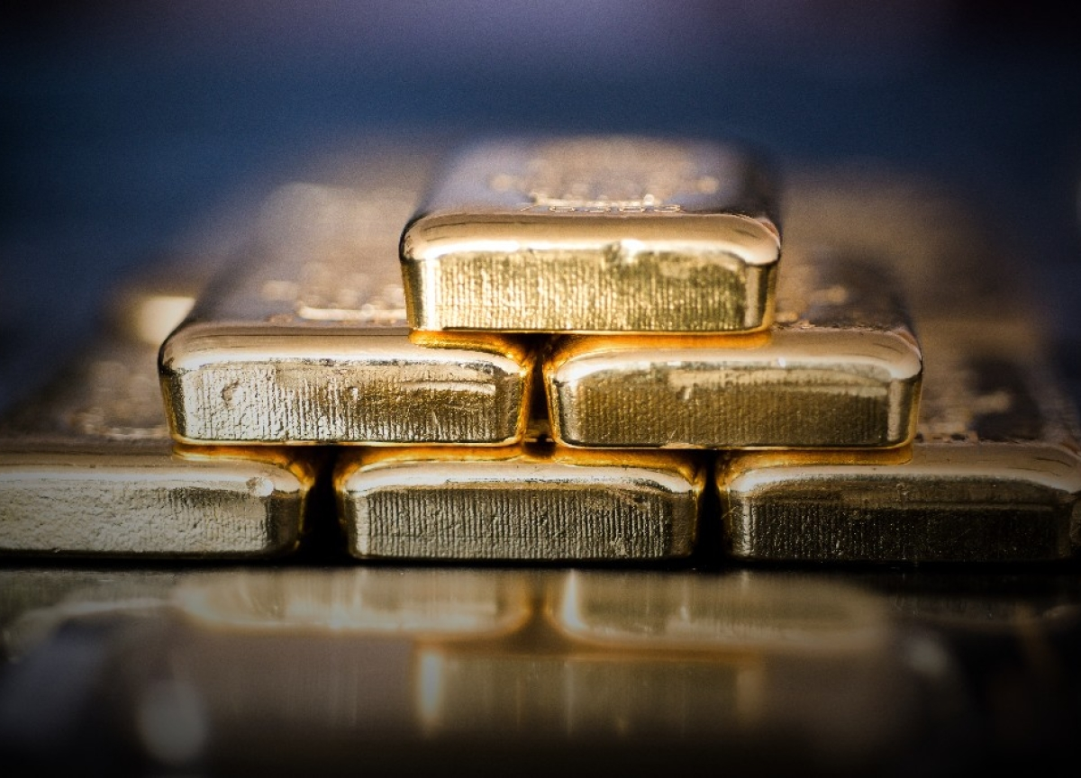 China's Gold Buying Spree Comes to a Halt After 10 Months
