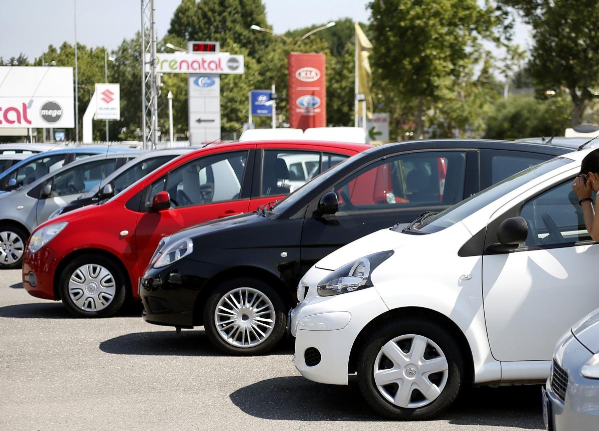 Inventory Rises At Dealerships As Auto Slump Continues