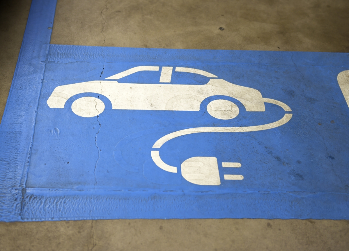 Boris Johnson Goes Green With Cash for Electric Cars and Fusion