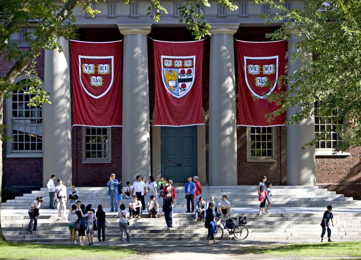 Harvard Defeats Suit Seeking to Bar Race-Conscious Admission