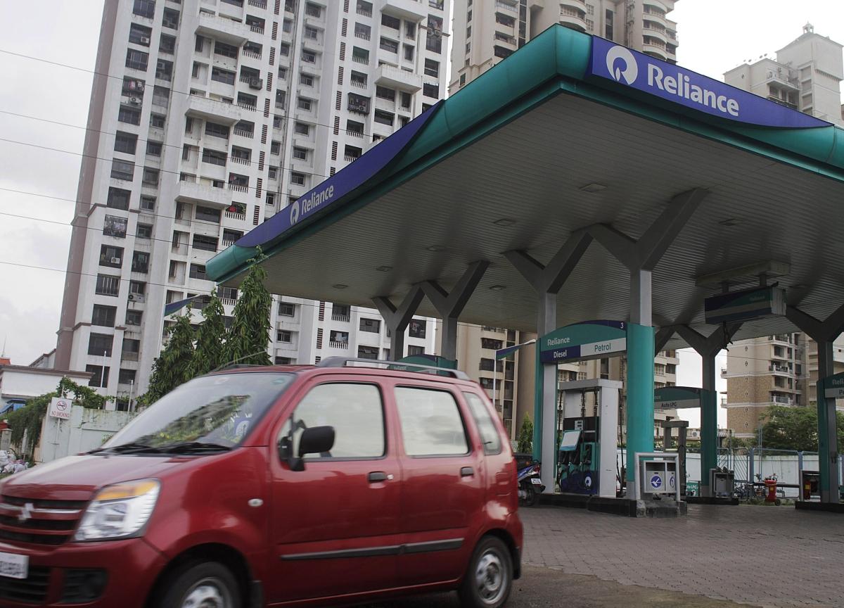 Maruti, M&M Cut Production As Auto Sales Fail To Improve