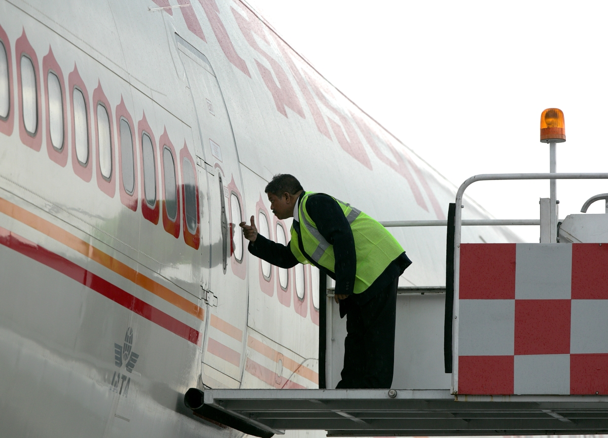 Oil Companies Defer Cutting Fuel Supplies To Air India
