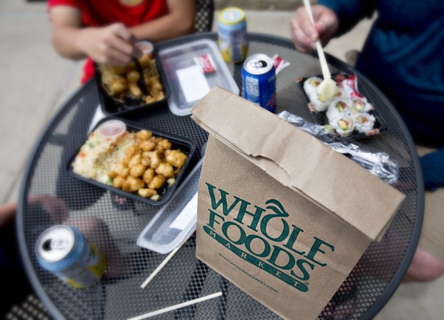 7f78fbcfc Whole Foods Is Cutting Food Packaging With Cancer-Linked Chemicals