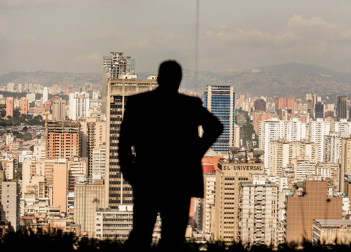 As Maduro Digs In, His Aides Hunt for an Emergency Escape Route