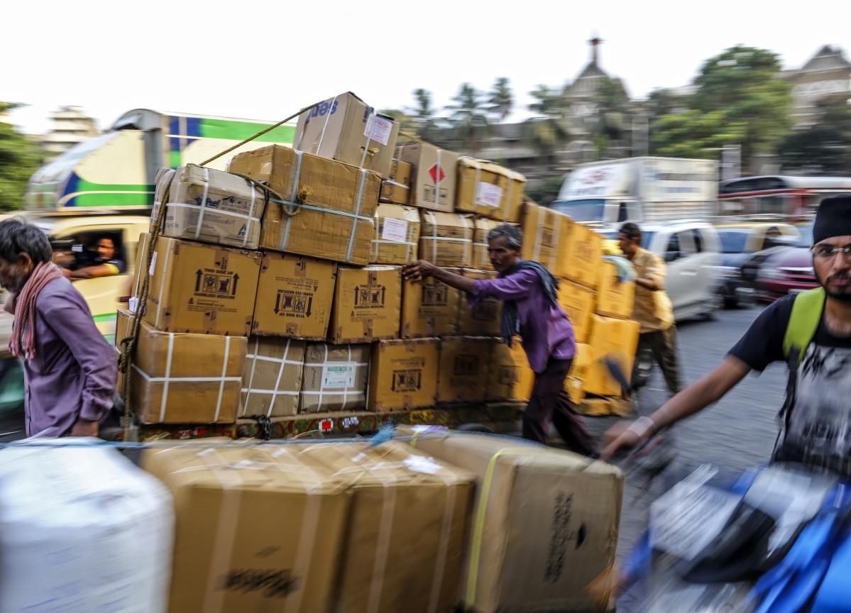 India ConsidersEasier Loan, Tax Rules to Help Economy Endure Virus
