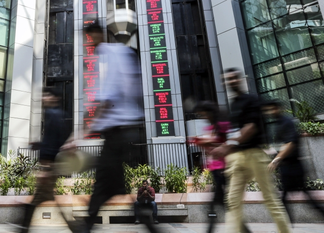 Nse Ties Up With Nasdaq For Technology