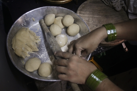 Roti being made at a home in Mumbai, India. (Photographer: Dhiraj Singh/Bloomberg)