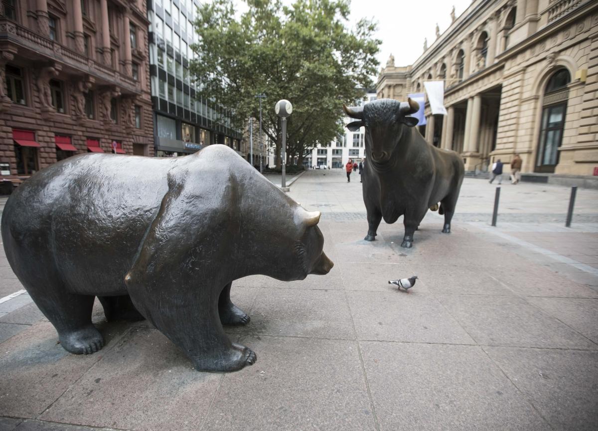 U.S. Stocks Sink in Worst Day Since Black Monday: Markets Wrap