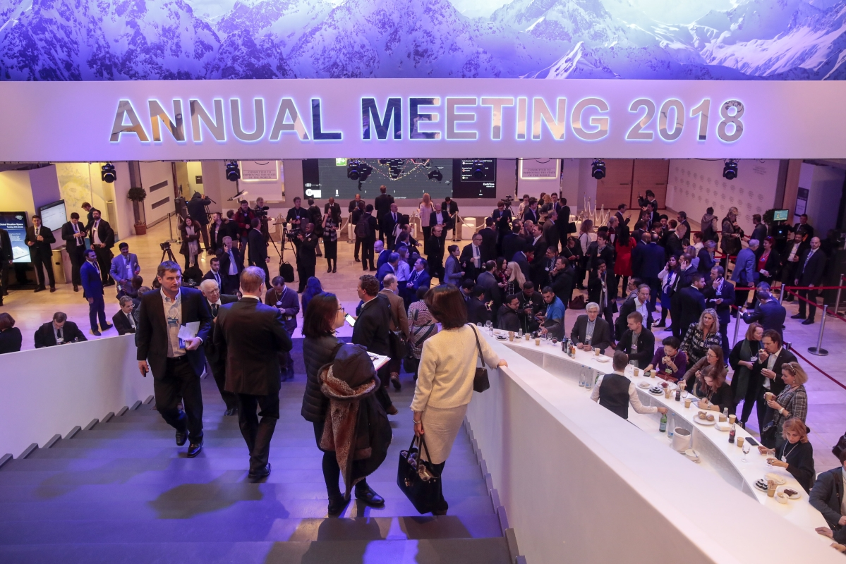 Wall Street CEOs Cozy Up To Trump Ahead Of His Arrival in Davos